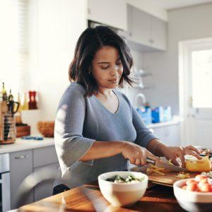 woman preparing healthy lunch