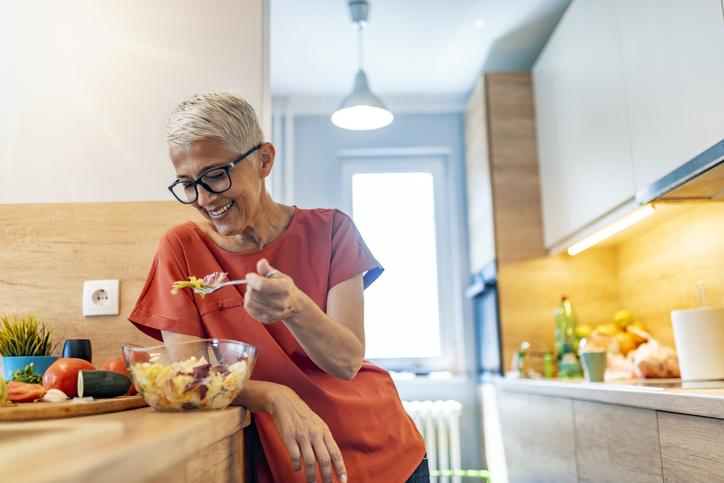 woman-following-diet-tips